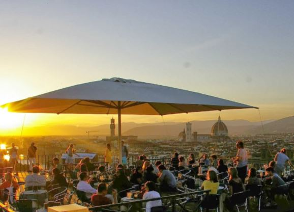 Wonderfully Romantic Rooftop Restaurants in Florence | Wicked Good ...