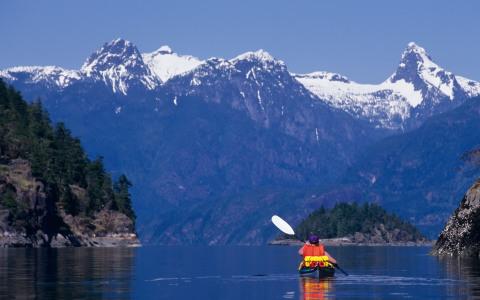 World's Most Dramatic Kayak Destinations – 6 Unforgettable Kayak Adventures