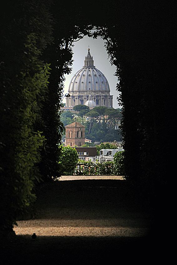 Giardino degli Aranci Rome for Romantic photos