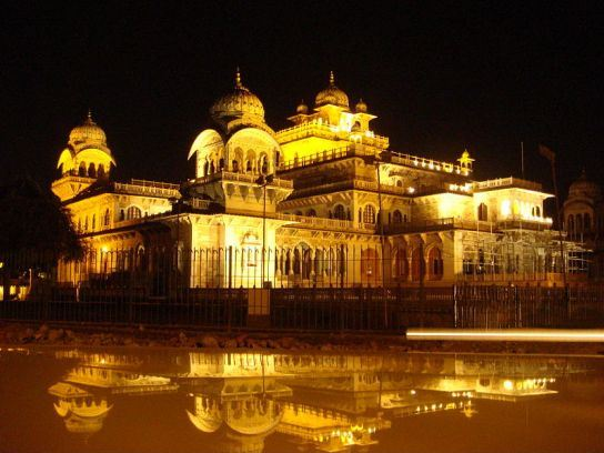 Sheeshmahal Japuir India