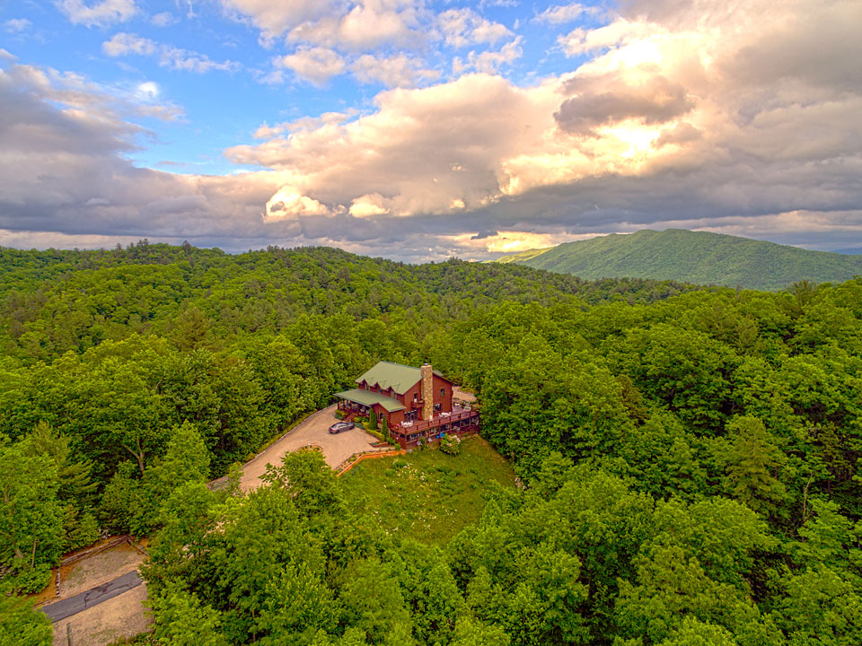 Iron Mountain Inn BnB