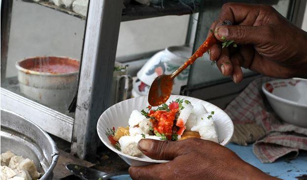 Indonesian Meatball Soup