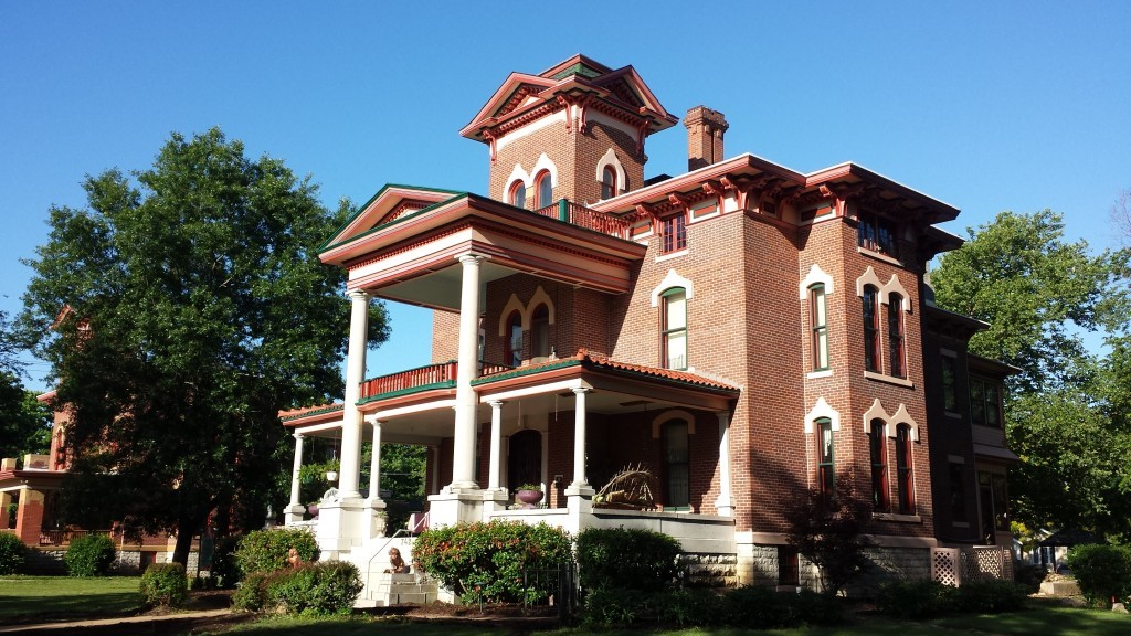 Lyons Mansion Inn