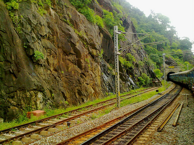 Vuza - Arakkyu Railway India
