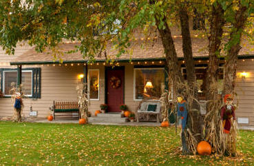 West Coast Fall Foliage BnB Memory Making Escapes