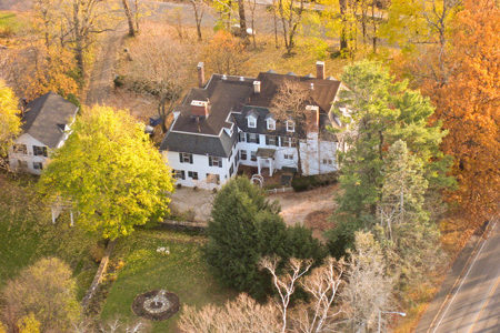 Ghost Stories From Our Favorite Bed and Breakfast Inns