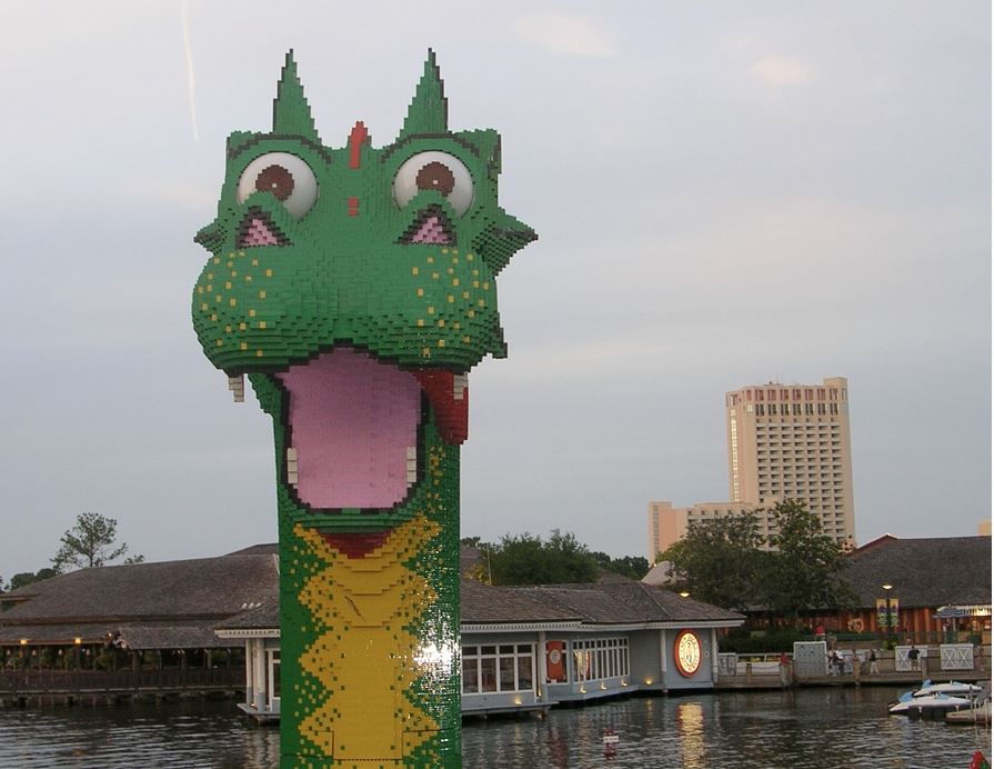 Downtown Disney - Lego Dragon