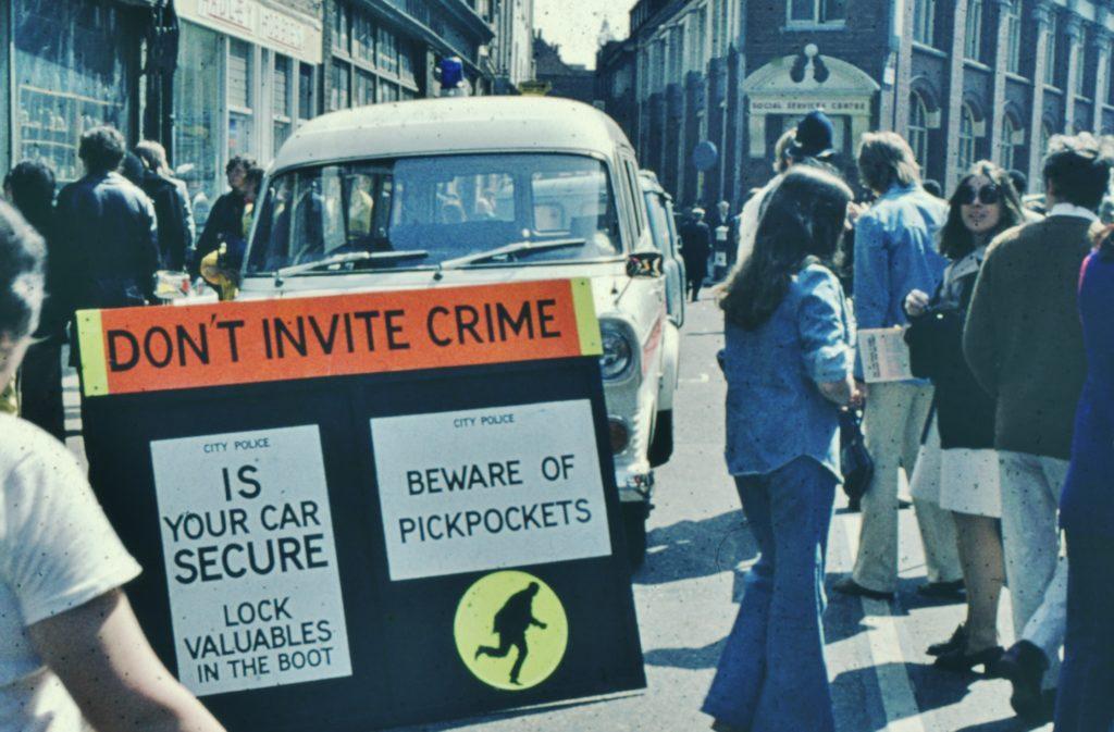 Beware Pickpockets Sign