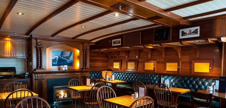 York Harbor Inn Ships Pub