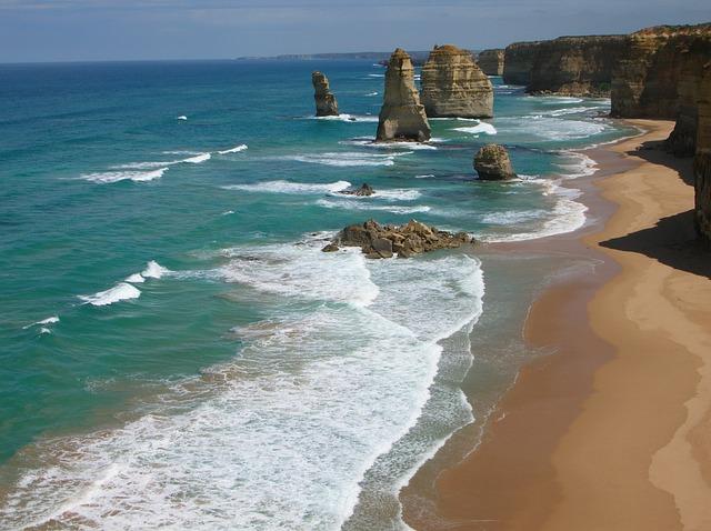 The Great Ocean Road Twelve Apostles