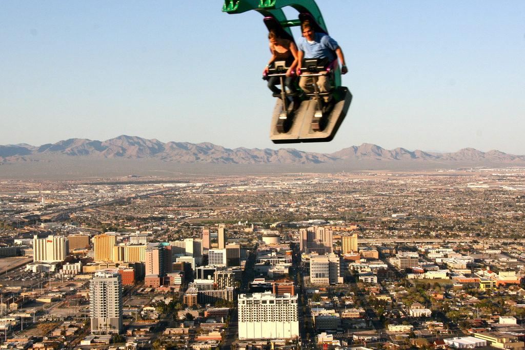 Las Vegas Rollercoaster by by Rain Rannu/Flickr