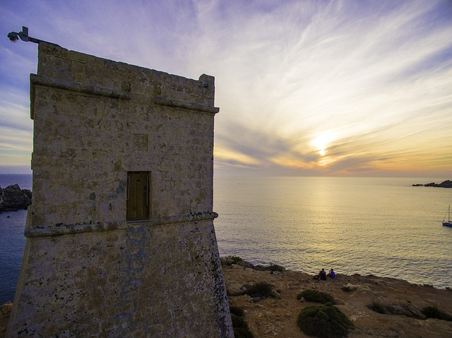 Malta Ghajn Tuffieha via Pixabay