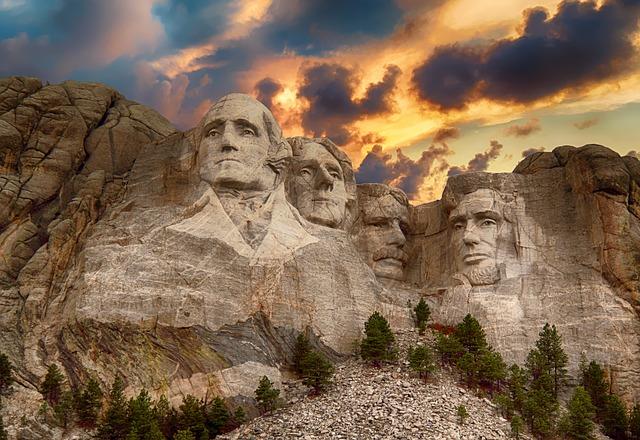 Mt. Rushmore sunrise
