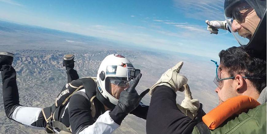 Skydiving in California