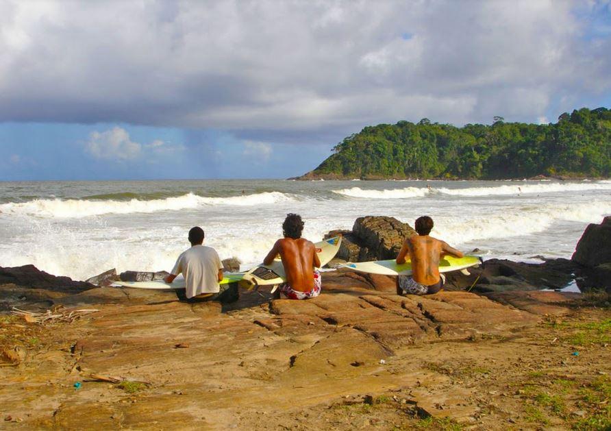 Itacare Belize Surfing