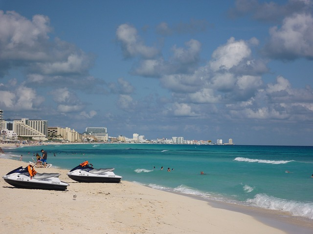 Cancun water skis by MaxPixel