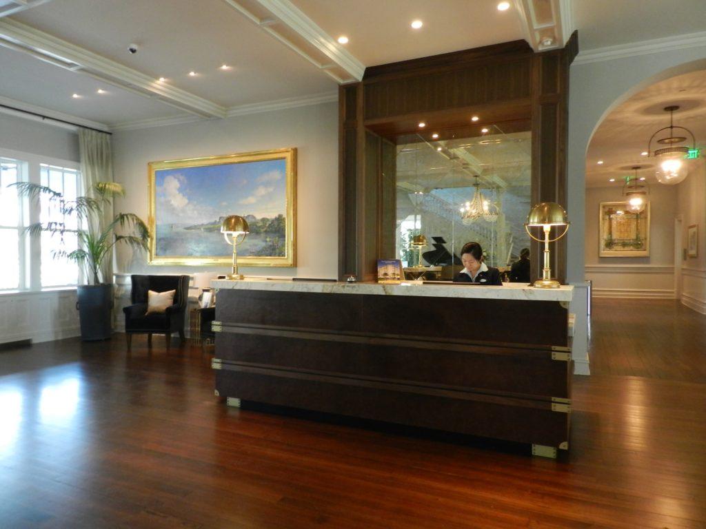 Belleview Inn Lobby