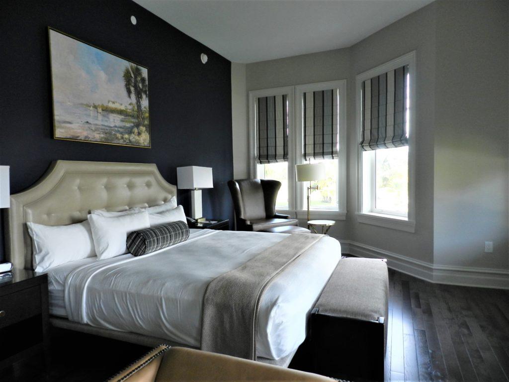 Belleview Inn Bedroom