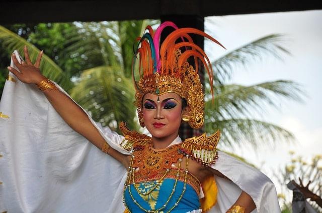 Bali Dance Performer